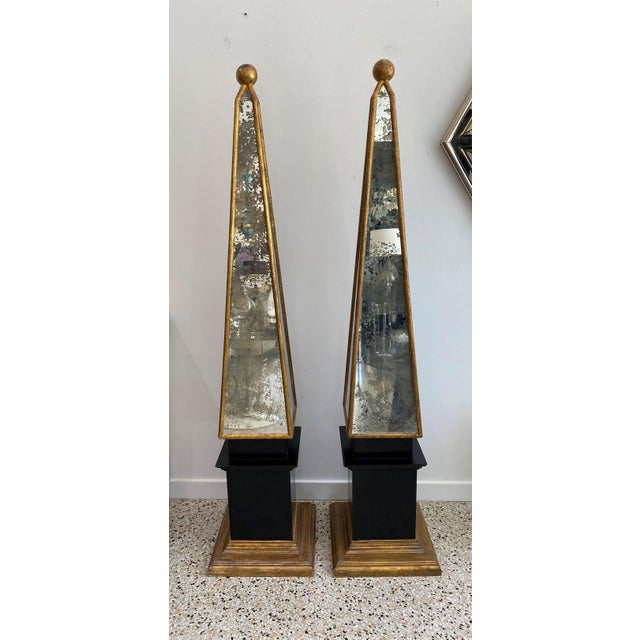 """Italian Vintage Obelisks 73"""" Italian Florentine Giltwood and Antiqued Mirror - a Pair For Sale - Image 3 of 12"""