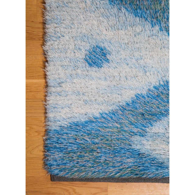 "Mid-Century Modern LARGE 115"" SWEDISH KNOTTED RYA CARPET, 1950S For Sale - Image 3 of 8"