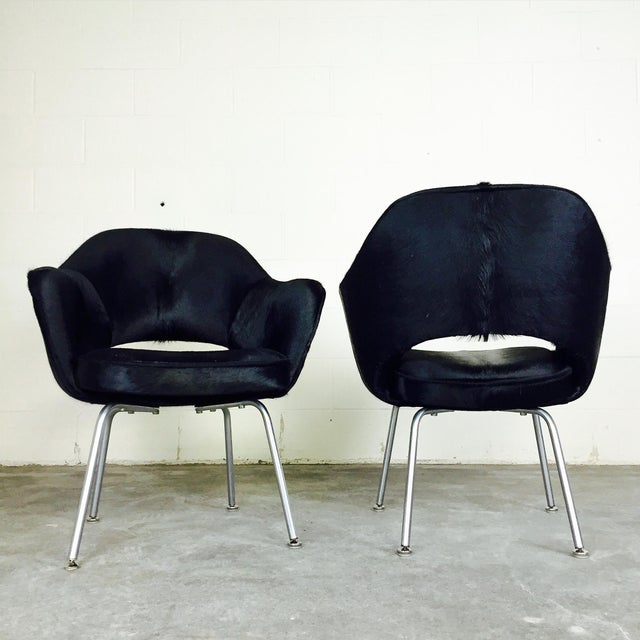 Knoll Forsyth One of a Kind Eero Saarinen for Knoll Armchairs in Natural Black Cowhide - Pair For Sale - Image 4 of 6