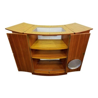 Mid-Century Danish Modern Fold-Out Home Dry Bar / Cocktail / Drinks / Hospitality Cabinet For Sale