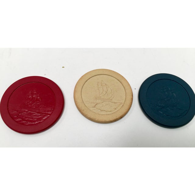 Traditional 1930s Vintage Clay Poker Chips in Wood Carrying Case For Sale - Image 3 of 11