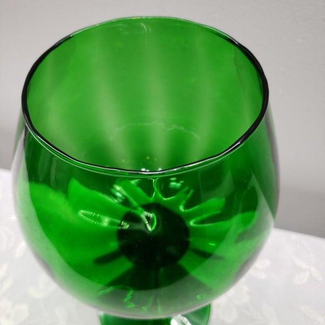 "1960s Mid Century Italian Emerald Green Art Glass Vase Vintage Murano 12"" For Sale - Image 5 of 11"