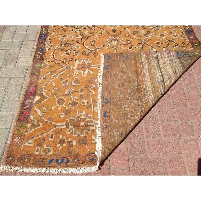 "Textile Vintage Anatolian Rug - 4'5"" X 8'3"" For Sale - Image 7 of 7"