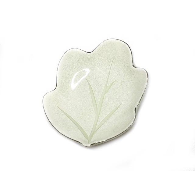Japanese 1960s Vintage Leaf Shaped China Plate Set - 4 Pieces For Sale - Image 3 of 5