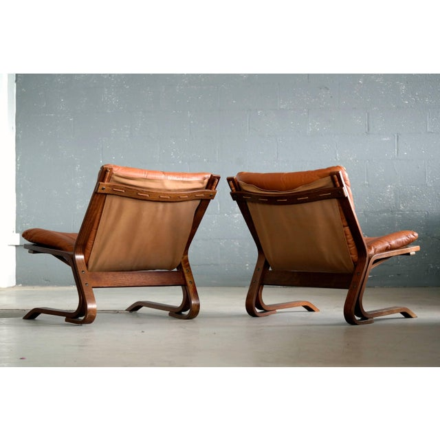 Pair of Midcentury Norwegian Easy Chairs in Cognac Leather by Oddvin Rykken For Sale - Image 4 of 10
