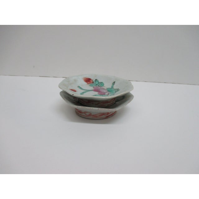Pair of Chinese Export Trinket Petite Dishes For Sale - Image 4 of 5