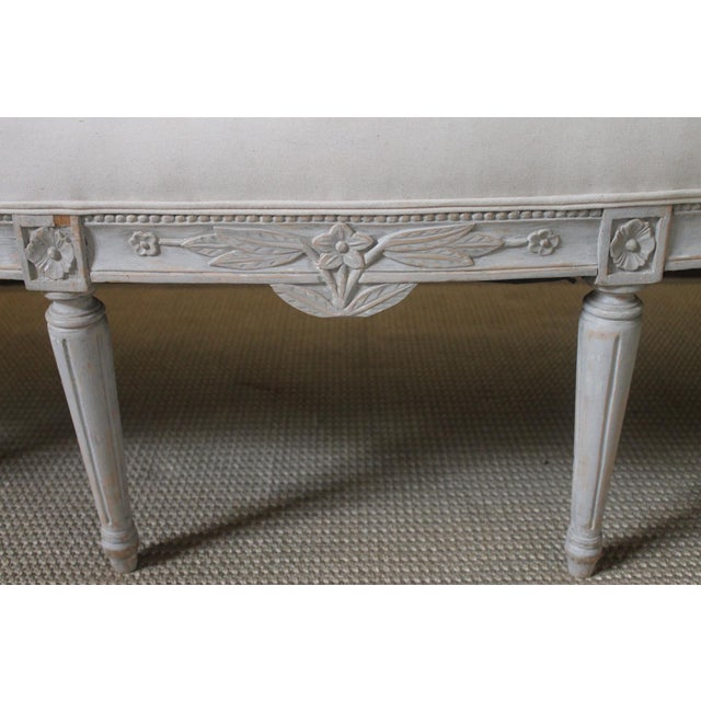French 19th Century Vintage Louis XVI Style French Settee For Sale - Image 3 of 9