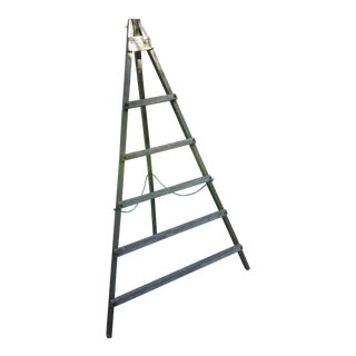 Vintage American Peak Top a Frame Topiary Ladder For Sale