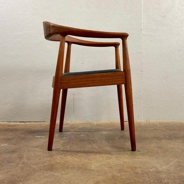 Danish Modern 1960s Vintage Hans Wegner Style Danish Modern Dining Chairs- Set of 4 For Sale - Image 3 of 11