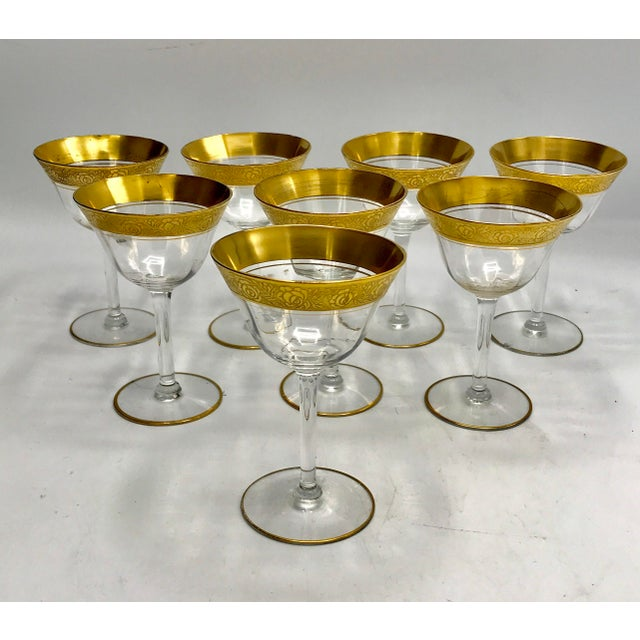 The gorgeous 24k gold over etched floral rim makes these stunning paneled crystal glasses bring glamour and luxury to a...