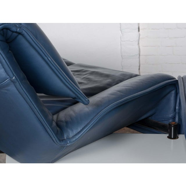 Mid-Century Modern Design Deep Navy Blue Leather Three-seat 'Veranda' Sofa by Vico Magistretti for Cassina, 1970s For Sale - Image 10 of 13