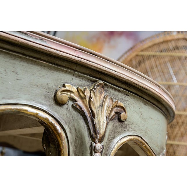 Italian Large Oval Painted Louis XV Style Table With Antiqued Mirrored Top For Sale - Image 4 of 13