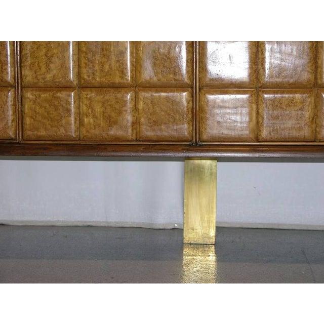 1940s Minimalist Dark & Light Wood Cabinet Sideboard on Brass Legs For Sale In New York - Image 6 of 12