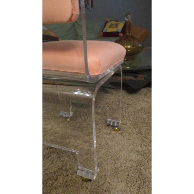 Pink Late 20th Century Vintage Lucite Swivel Waterfall Vanity Stool For Sale - Image 8 of 13