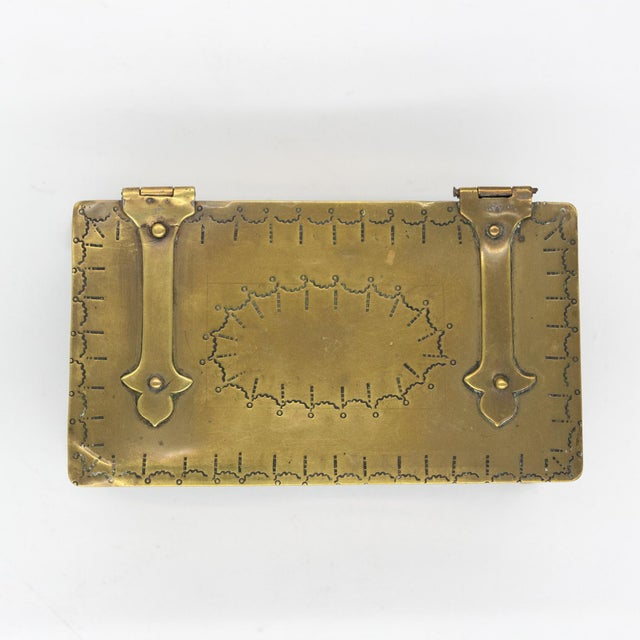 Early 19th Century English Dutch Style Brass Table Top Cigarette / Tobacco Boxes, Early 19th Century - a Pair For Sale - Image 5 of 10