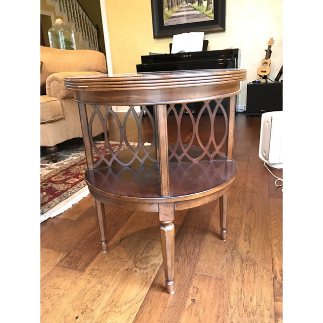 Bassett End Table - Image 2 of 3