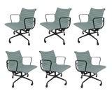 Image of 1 Vintage Eames Aluminum Group Desk Chair For Sale