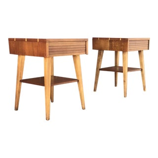 1960s Mid-Century Modern Solid Wood With Dovetail Henredon Nightstands - a Pair For Sale