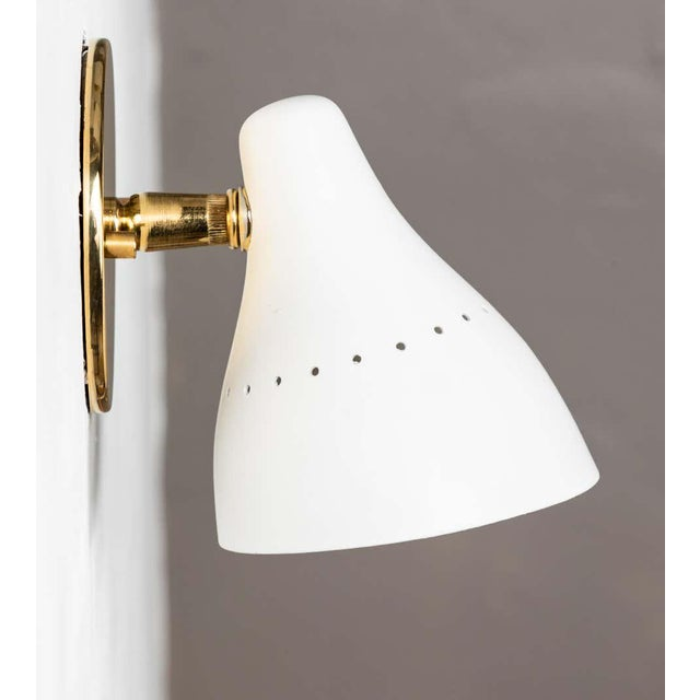 White 1950s Gino Sarfatti White Articulating Sconce for Arteluce For Sale - Image 8 of 13