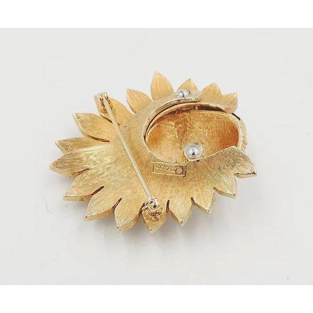 1960s Jomaz Pavé Rhinestone Faux-Pearl Pin For Sale In Philadelphia - Image 6 of 9