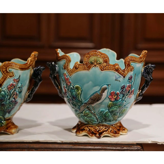 19th Century French Hand Painted Barbotine Cachepots With Bird and Flower Decor For Sale In Dallas - Image 6 of 13