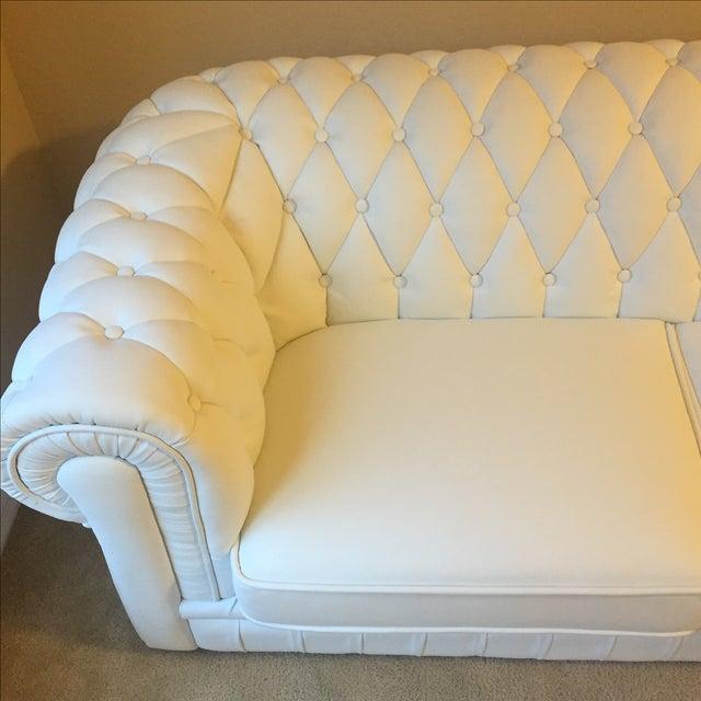 White Leather Tufted Back Sofa - Image 5 of 10