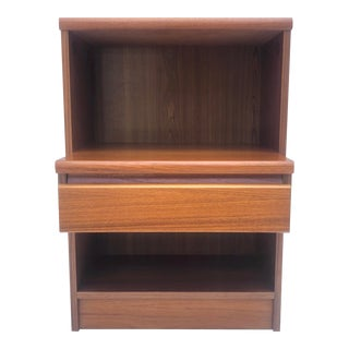 Scandinavian Modern Single Drawer Nightstand For Sale