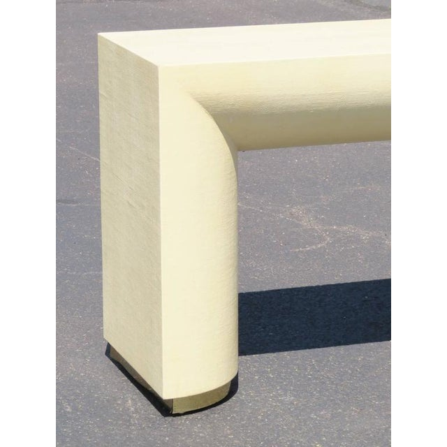 Mid Century Modern Cream Lacquered Canvas and Brass Console Table For Sale - Image 4 of 6