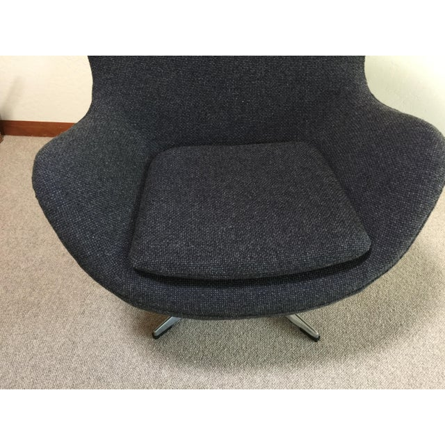 Mid Century Modern Egg Chair - Designed by Arne Jacobsen in 1958 For Sale - Image 10 of 13