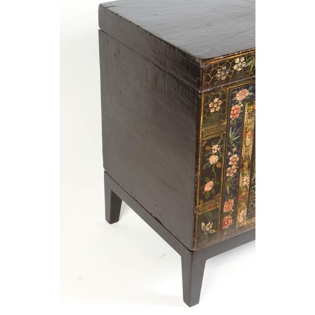 Lacquer 19th Century Chinese Painted Chest For Sale - Image 7 of 9