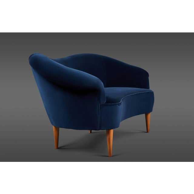 Italian Delicate Blue Velvet Italian Settee For Sale - Image 3 of 4