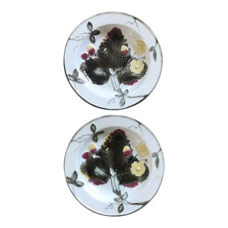 1880s Wedgwood Majolica Argenta Strawberry Grapeleaf Plates - a Pair For Sale