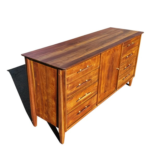 Mid-Century Modern Mid-Century Modern Dresser - Credenza - Sideboard by Davis Cabinet Company For Sale - Image 3 of 11