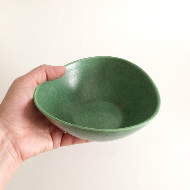 1930s 1930s Boho Chic Royal Haeger Green Pottery Bowl For Sale - Image 5 of 6