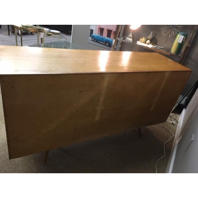 Mid-Century Modern Paul McCobb Planner Group/Winchendon Eight Drawer Maple Dresser For Sale - Image 3 of 7