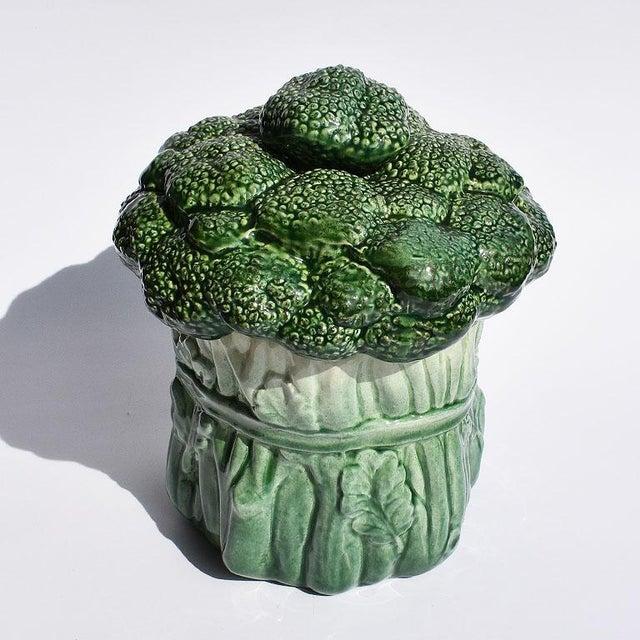 American Mid Century Modern Ceramic Green Vegetable Broccoli Trompe L'oeil Cookie Jar For Sale - Image 3 of 7