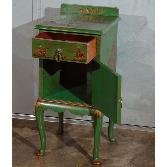 Early 20th Century Chinoiserie Decorated Night Stand For Sale - Image 4 of 7