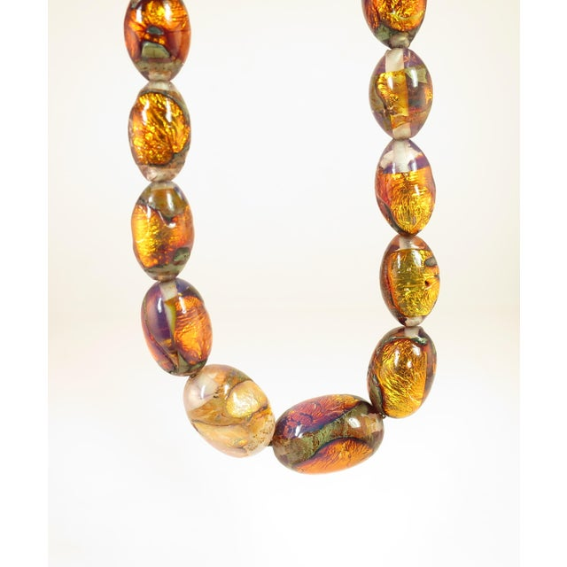 Venetian Fire Opal Foiled Glass Bead Necklace 1950s For Sale In Los Angeles - Image 6 of 13