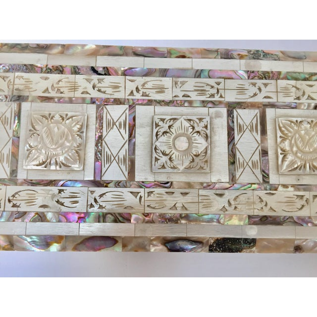 Middle Eastern Abalone and Mother-Of-Pearl Inlay Large Rectangular Box For Sale - Image 10 of 13