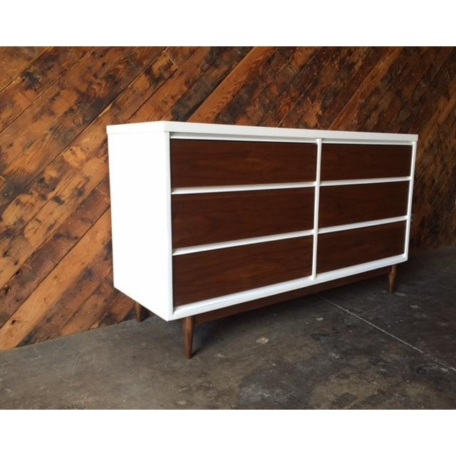 Mid Century Refinished Walnut/White Lacquer 6 Drawer Dresser For Sale - Image 5 of 7