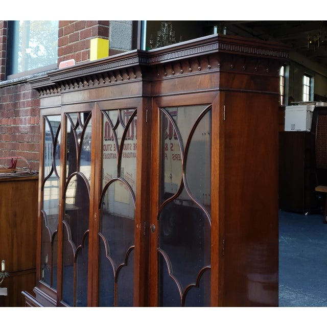 Traditional Mahogany 2 Part Dining Room Breakfront China Cabinet C1930s For Sale - Image 10 of 13