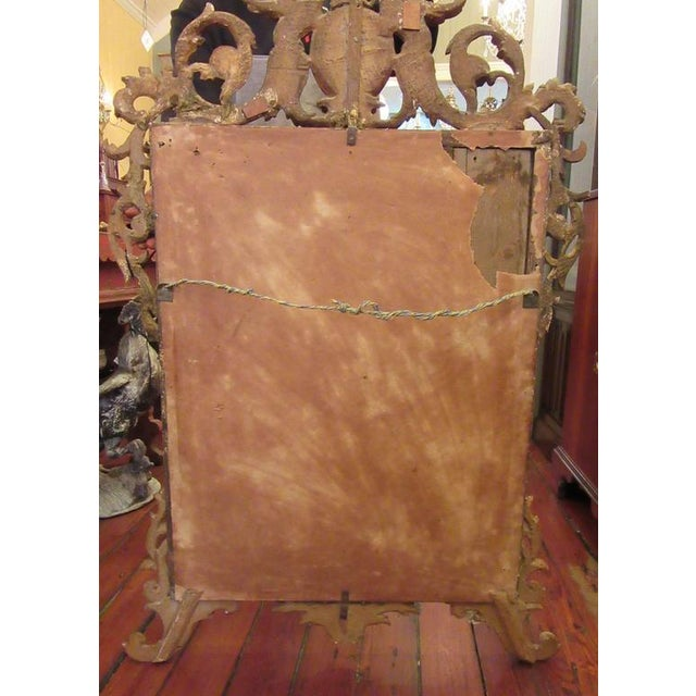 18th Century Italian Venetian Rococo Giltwood Mirror with Chinoiserie Details For Sale In Charleston - Image 6 of 7
