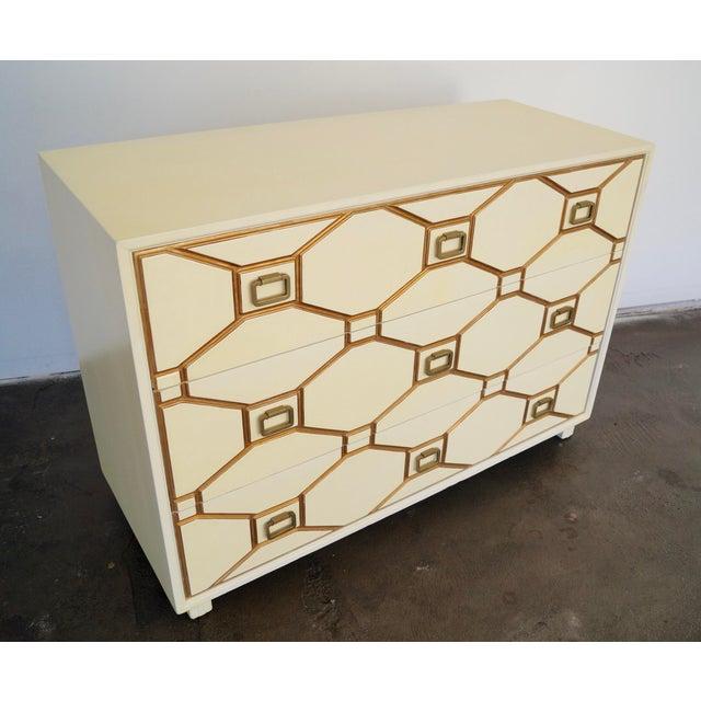Mid-Century Hollywood Regency Dresser by Dorothy Draper for Henredon For Sale - Image 10 of 11