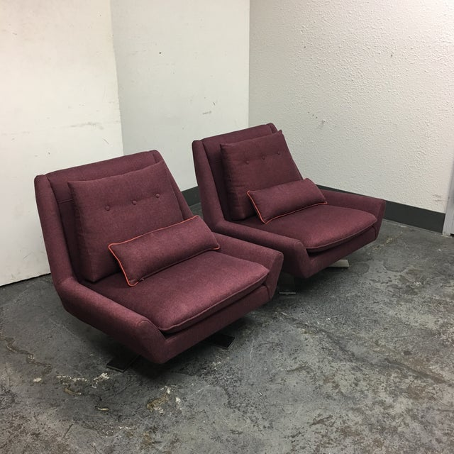 Design Plus Consignment Gallery has a pair of Palm II swivel chairs designed by Jeff Vioski. The Palms II - Swivel X Base...