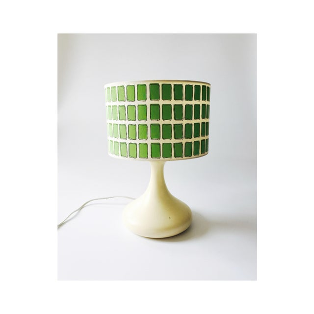 Mid Century Off White Table Lamp & Green Shade - Image 2 of 6