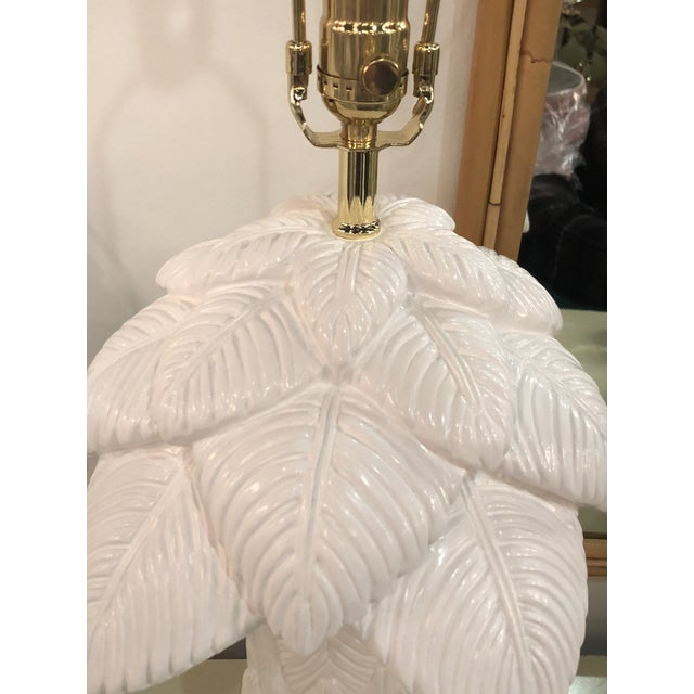 Chippendale 1970s Vintage White Lacquered Plaster Brass & Lucite Palm Tree Leaf Frond Table Lamps - a Pair For Sale - Image 3 of 13