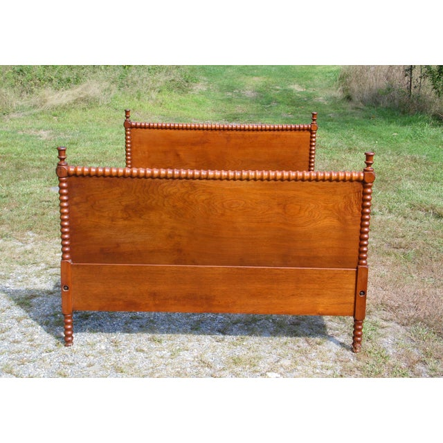 Antique Solid Hardwood Double Full Size Jenny Lind Spool Bed Tulip Finial Daybed For Sale - Image 13 of 13