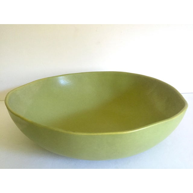 Various Artists Alex Marshall Studios Pottery Vintage Organic Modernist Extra Large Chartreuse Ceramic Serving Bowl For Sale - Image 4 of 13