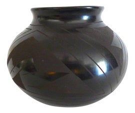 Image of Native American Vessels and Vases