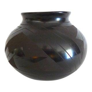 Late 20th Century Vintage Tomasa Mora Mata Ortiz Black Pottery Jar For Sale